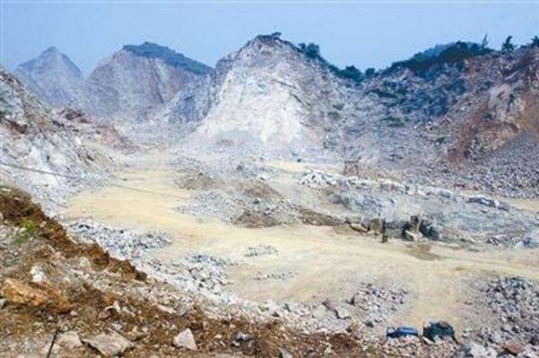 蕲春着力治理修复废弃矿山场地