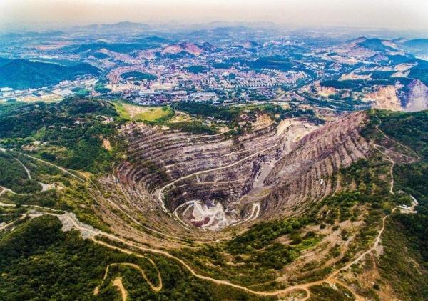 二连浩特市局积极开展矿山环境综合治理排查检查